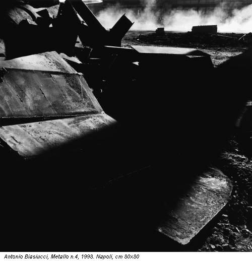 Antonio Biasiucci, Metallo n.4, 1998. Napoli, cm 80x80